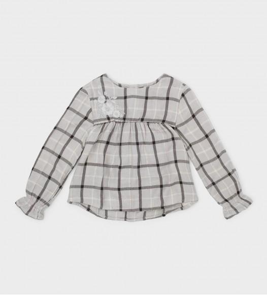 Блуза  с бродерия